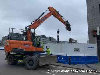 Suicide prevention barriers being installed on Union Bridge in Aberdeen - Aberdeen Evening Express