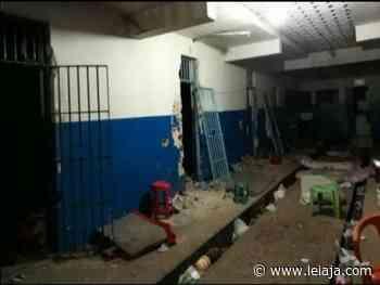 Cadeia de Serra Talhada é invadida e 25 presos fogem - LeiaJá