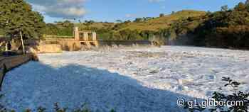 Espuma tóxica encobre Rio Tietê em Itu após chuva - G1