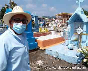 En Catemaco acuden al panteón a enflorar tumbas - Diario Eyipantla