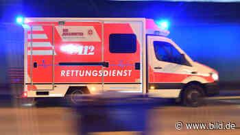 Landkreis Wittmund: Junge (7) unterm Trecker eingeklemmt | Regional - BILD