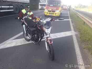 Dois jovens morrem em acidente com moto, na PRC-373 - G1