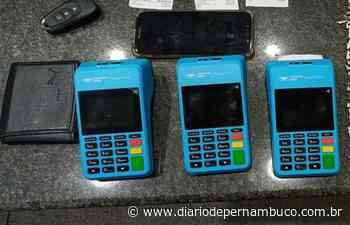 Polícia prende estelionatário que recolhia cartão de crédito das vítimas em Camaragibe - Diário de Pernambuco