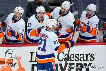Palmieri's OT winner lifts Isles by Penguins 4-3 in Game 1