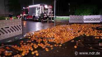 Neu Wulmstorf: Tausende Orangen auf der Straße - NDR.de