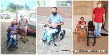 Secretaria de Saúde entrega mais duas cadeiras de rodas em Jacobina do Piauí - Cidades em Foco