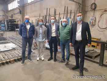 Romano di Lombardia: Malanchini e Mazzoleni visitano le aziende del territorio - Prima Treviglio