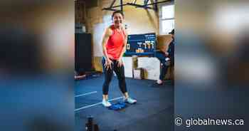 Elora, Ont., teacher breaks world record for most burpees in an hour - Global News