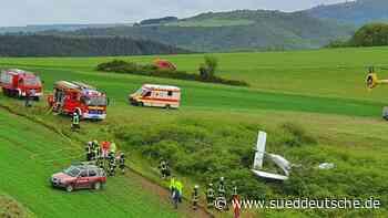 Kleinflugzeug nach Start abgestürzt: Zwei Schwerverletzte - Süddeutsche Zeitung