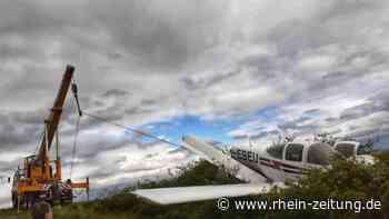 Schwierige Bergung nach Flugzeugabsturz in Sobernheim: Wrack muss aus Dornenhecke gezogen werden - Rhein-Zeitung
