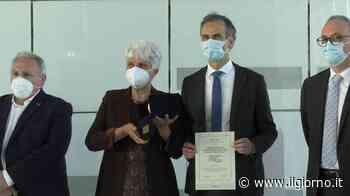 Mariano Comense, l'associazione Il Mantello premiata con la Rosa Camuna - IL GIORNO