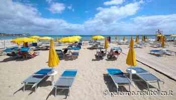 Zona gialla, a Palermo via i divieti: già domani spiagge aperte, da lunedì alcol in vendita anche dopo le 18 - La Repubblica