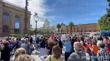 """Manifestazione a Palermo: """"Basta restrizioni e no all'obbligo di vaccinazione"""" - Giornale di Sicilia"""