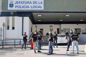 Más de 70 policías sin pantalones - EL PAÍS