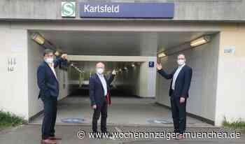 Bahn tauscht Schilder aus / Bahnhof Karlsfeld heißt wieder Bahnhof Karlsfeld - 09.05.2021 - Wochenanzeiger München