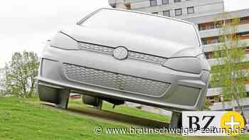 XXL-Golf in Wolfsburg: Der Riesen-GTI hat jetzt einen Blechschaden