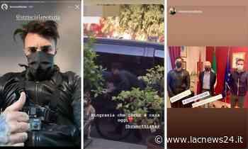 Crotone, Brumotti in sella alla sua bici nel quartiere Acquabona tra curiosi e disturbatori - LaC news24