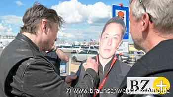 Tesla-Chef Musk besucht Fabrik-Baustelle in Grünheide