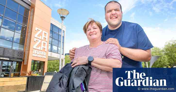 'We're going for it': diners return to indoor restaurants in England