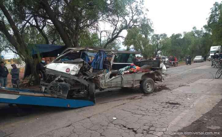 Video. Tráiler embiste combi con pasajeros en Zumpango; hay siete heridos de gravedad   El Universal - El Universal