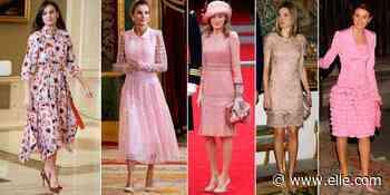 La reina Letizia y su pasión por los vestidos rosas - elle.com - elle.com