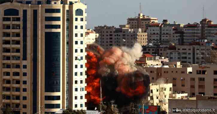 """Continuano raid d'Israele su Gaza: 212 morti. Wp: """"Biden ha venduto armi a Tel Aviv"""". Ed Erdogan lo attacca: """"Mani sporche di sangue"""""""
