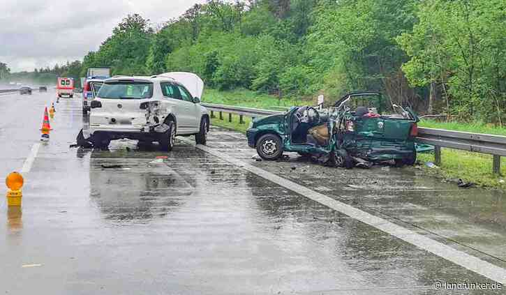 Bruchsal   Schwerer Unfall am Stauende auf A5 - Landfunker