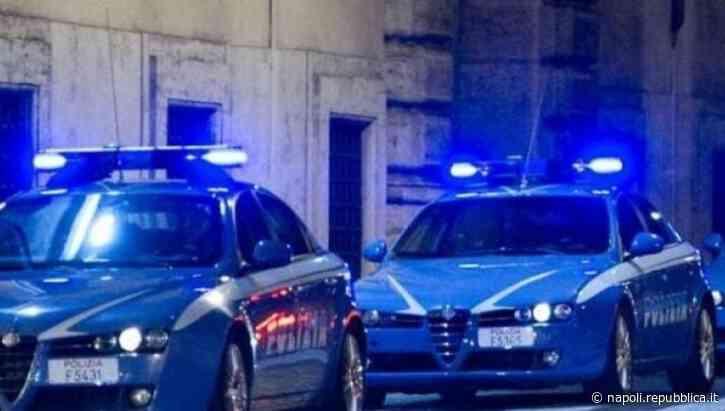 Ponticelli, lanciano una bomba di camorra dal cavalcavia ma restano con l'auto in panne - La Repubblica