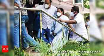 Led by Mamata & MLAs, hundreds Gherao CBI Zonal Headquarters