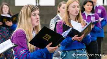 Covid in Scotland: Choir perform together for first time in 14 months