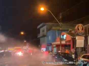 Caminhão-pipa joga água em aglomeração em Barra Bonita; veja vídeo - Jornal Cruzeiro do Sul