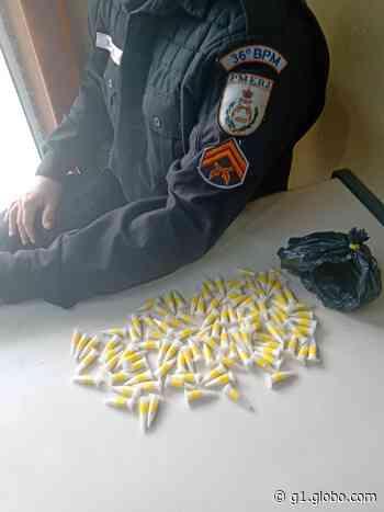 PM apreende 102 pinos de cocaína após fuga de suspeito em Miracema, no RJ - G1