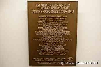 Bronzetafeln im Heim Via Claudia erinnern an die Krankenmorde in Hartheim: Tag der Befreiung, Tag des Gedenken - meinbezirk.at