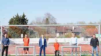 Raiffeisenbank spendet 3400 Euro an TSV 1860 Rosenheim