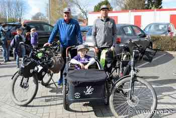 Voetbaltrainers verzamelen shirts van eersteklasseploegen en veilen ze voor ziek spelertje - Gazet van Antwerpen