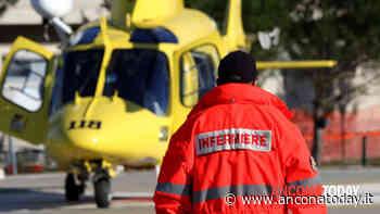 Esce di strada e si schianta contro un albero: 57enne in ospedale - AnconaToday