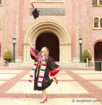 'Lloré cuando supe que nos íbamos a graduar en persona' - La Opinión