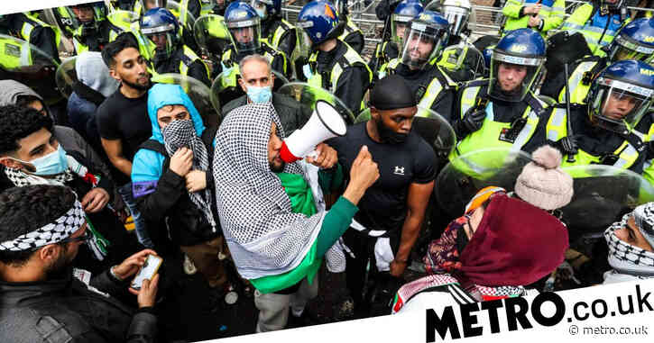 Officer who shouted 'free Palestine' at protest being investigated by Met Police