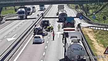 Scontro tra auto e moto in A21 a Castel San Giovanni, centauro gravissimo - Libertà Piacenza - Libertà