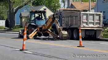 Water main break shuts down lanes on Lafayette Street in south Fort Wayne