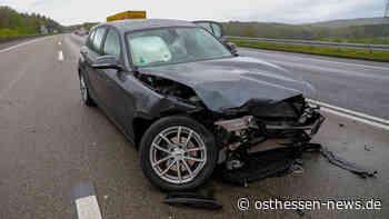 Auf der A66: Alleinunfall bei regennasser Fahrbahn - Fahrer (18) verletzt - Osthessen News