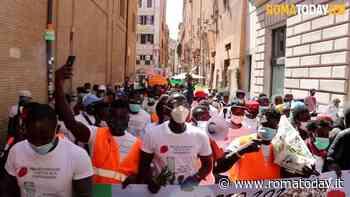 VIDEO | Dalle campagne d'Italia a Montecitorio, gli invisibili chiedono diritti