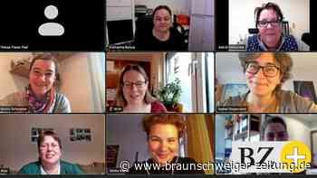 Zertifizierter Lehrgang: Acht pädagogische Mitarbeiterinnen im Kreis Peine