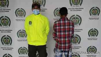 En Chinchiná capturaron a un hombre que le ofreció dinero a un policía - BC NOTICIAS - BC Noticias
