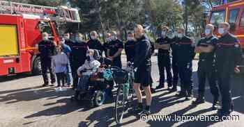 Port-de-Bouc : Sofiane tient son nouveau fauteuil - La Provence