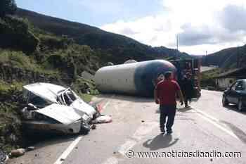 ¡Vivos de milagro! Tractocamión cisterna aplastó vehículo en la vía Pajarito – Sogamoso, Boyacá - Noticias Día a Día