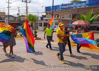 Desfila comunidad LGBT en avenidas de Tamazunchale; piden respetar sus derechos - El Manana de Valles
