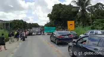 Protesto de indígenas bloqueia a BR-101, em Joaquim Gomes, AL - G1