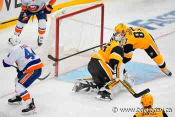 Jarry rebounds with 39 saves, Pens even series with Isles