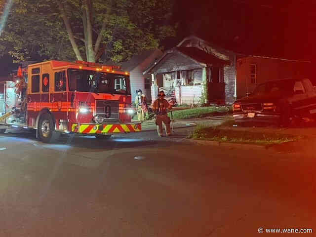 Arson investigators on scene of fire on southeast side of Fort Wayne